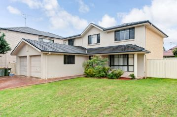 **SOLD**Imposing Home And Potentail Granny Flat